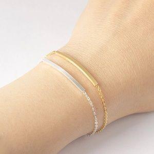 Jewelry - Simple bar bracelet